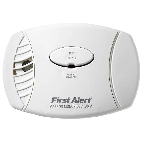 First Alert Plug-In Carbon Monoxide Alarm with Battery Backup